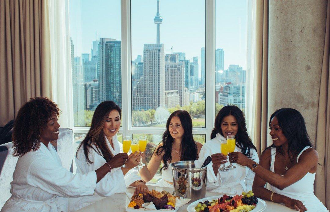 Best Girls Weekend – Hotel X Toronto